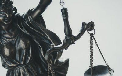 Полезная информация: адреса и контакты судов в Молдове: